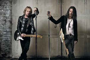 Scars διά χειρός Adrian Smith & Richie Kotzen